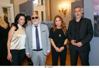 Με μεγάλη επιτυχία εγκαινιάστηκε η έκθεση ζωγραφικής της Παλίντα Γεωργουλάκου με τίτλο «Δρόμοι»  στο Δημοτικό Θέατρο Πειραιά