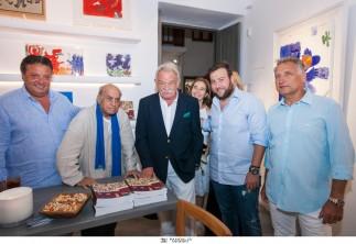 KAPOPOULOS FINE ARTS – ΜΥΚΟΝΟΣ / Αληθινή κοσμοσυρροή στα εγκαίνια της έκθεσης των Αλέκου Φασιανού - Antonio Segui στη Μύκονο