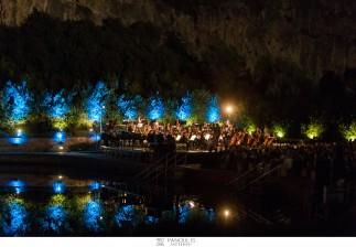 Μια παραμυθένια βραδιά κλασικής μουσικής στη Λίμνη Βουλιαγμένης / Η πρώτη συναυλία της σειράς «Η Λίμνη των Ήχων» μάγεψε το κοινό