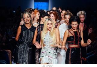 AXDW ΗΜΕΡΑ 1η / Λαμπερό ξεκίνημα για την 22η Εβδομάδα Μόδας της Αθήνας Athens Xclusive Designers Week! Εντυπωσιακές επιδείξεις, εκλεκτοί καλεσμένοι και ξεχωριστές δημιουργίες στην 1η ημέρα της AXDW [ΕΝΗΜΕΡΩΜΕΝΟ ΥΛΙΚΟ+ΔΕΛΤΙΟ ΤΥΠΟΥ]