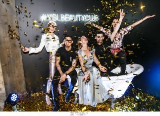 #YSLBEAUTYCLUB /  Μετά το Λονδίνο, το Los Angeles, το Παρίσι και το Βερολίνο η Αθήνα υποδέχτηκε στο κέντρο της πόλης και για πρώτη φορά το YSL BEAUTY CLUB, το 1ο club με ένα και μόνο σκοπό: τον εορτασμό της ομορφιάς. Μια βραδιά αποκλειστικά αφιερωμένη στην πιο ανατρεπτική Παριζιάνικη υπογραφή ομορφιάς