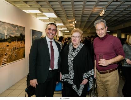 Έκθεση φωτογραφιών του Πάνου Κοκκινιά στην Ελληνογερμανική Αγωγή και δημιουργία έργου in situ