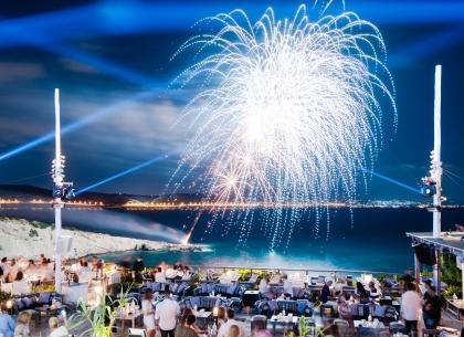 ISLAND 2020. Φαντασμαγορικό opening στην Αθηναϊκή Ριβιέρα
