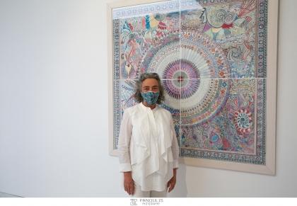 H Γκαλερί Ζουμπουλάκη παρουσιάζει τη νέα ατομική έκθεση της Ιωάννας Ράλλη «Κοσμομορφία», μια σειρά από ζωγραφικά έργα, τέμπερα σε χαρτί