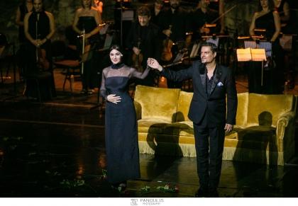 Με μεγάλη επιτυχία πραγματοποιήθηκε χθες βράδυ στο Ηρώδειο η πρεμιέρα της παράστασης «Μαρία Κάλλας: επιστολές και αναμνήσεις» με την αιθέρια ΜΟΝΙΚΑ ΜΠΕΛΟΥΤΣΙ